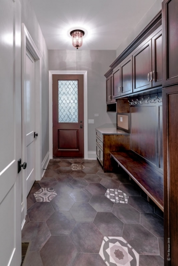 #39-321-Forest-Road- laundry.mud room