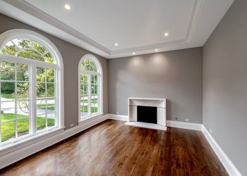 #29-321-Forest-Road- living room